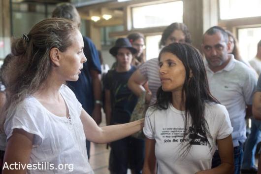 """עדי וינטר ועו""""ד גבי לסקי בבית המשפט המחוזי בתל אביב 07-07-2011. צילום: אורן זיו/אקטיבסטילס"""
