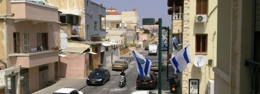 דגלי תל אביב-יפו מונפים ברחבי יפו לקראת חג הפסח - יום השואה - יום הזיכרון - יום העצמאות 2012