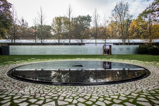 האנדרטה לקורבנות הצוענים בשואה, ברלין, דני קרוון // באדיבות: סטודיו קרוון